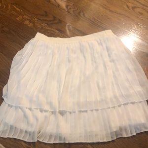 White accordion skirt Lauren Conrad